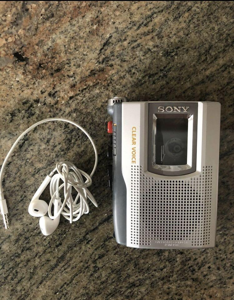 Sony Cassette Player Clear Voice TCM-150 Handheld Recorder Microphone Player