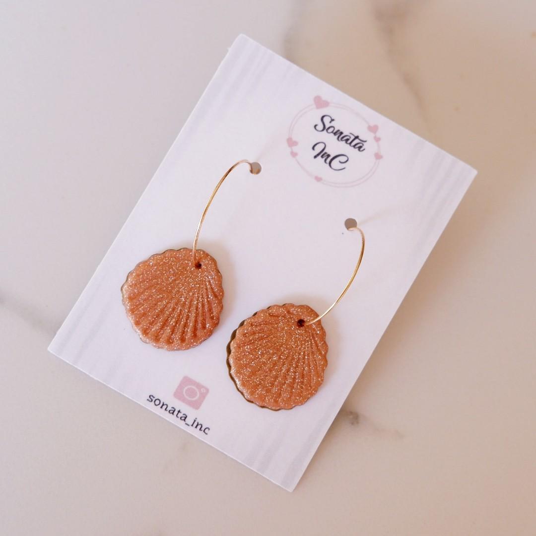 Golden Shells Hoop Earrings