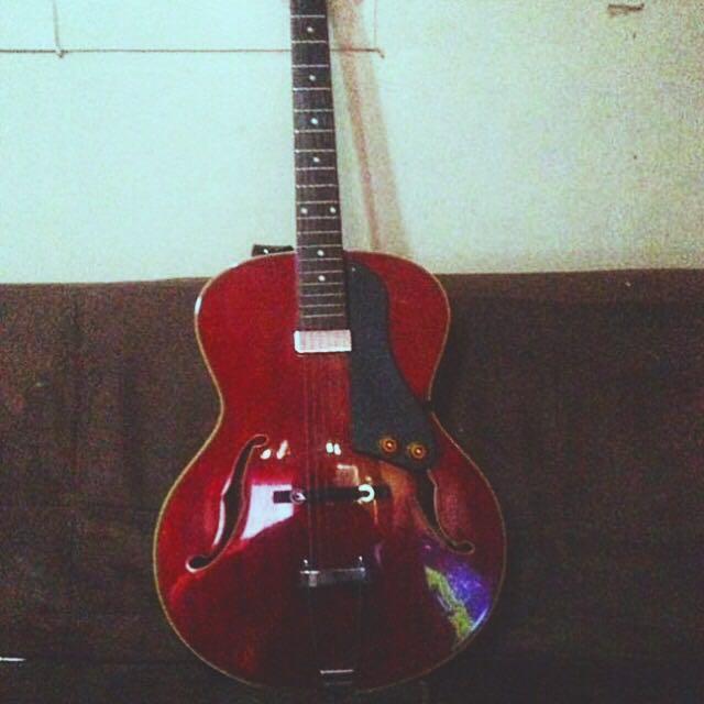 Guitar hollow body arctop washburn