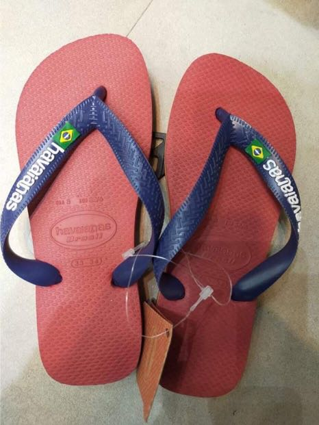 red and blue havaianas
