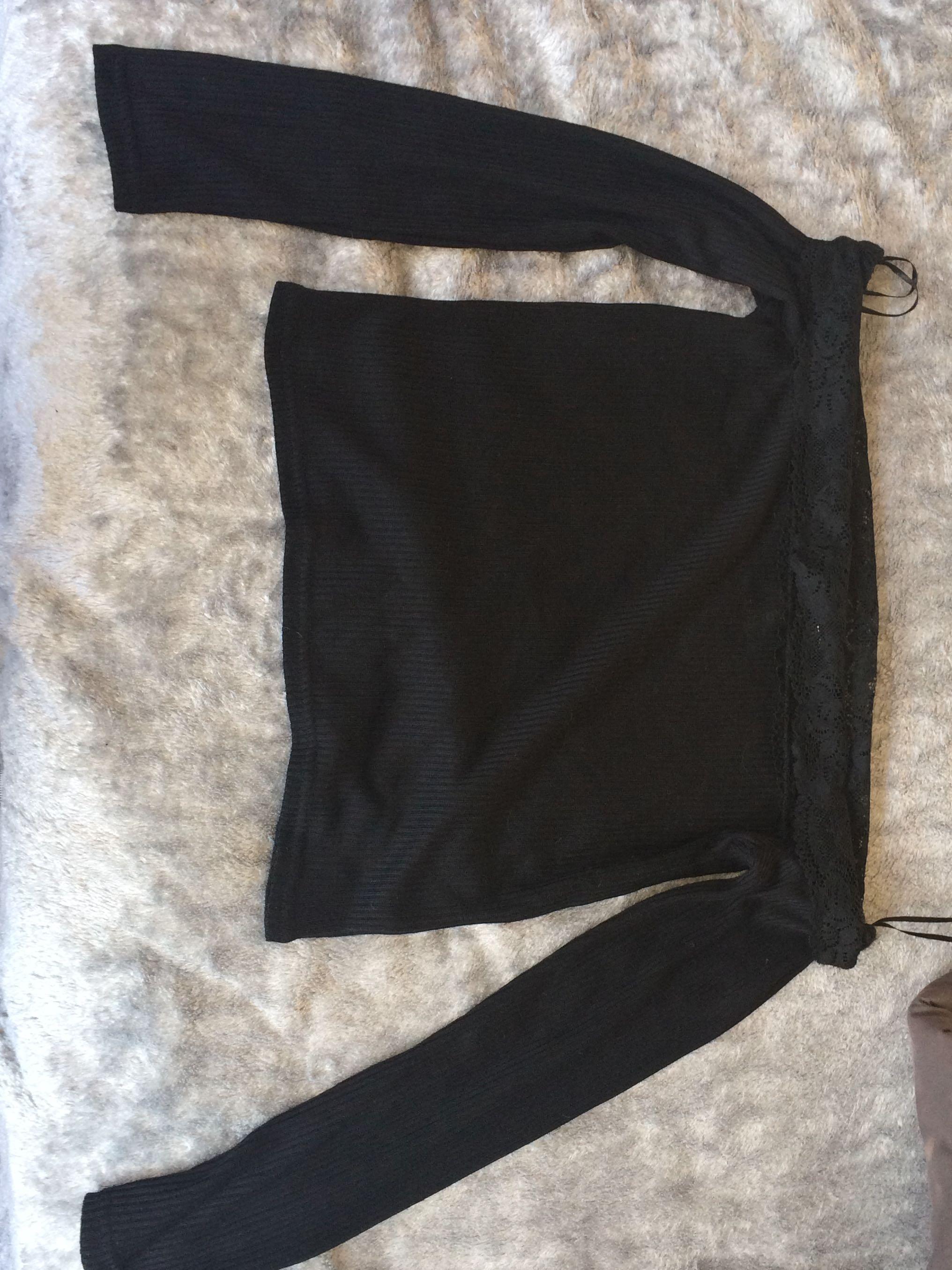 Off the shoulder lace knit shirt