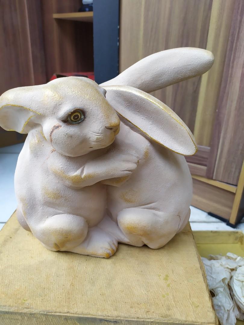 Patung pajangan kelinci galeri hadiprana