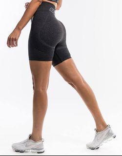 Echt shorts- arise shorts