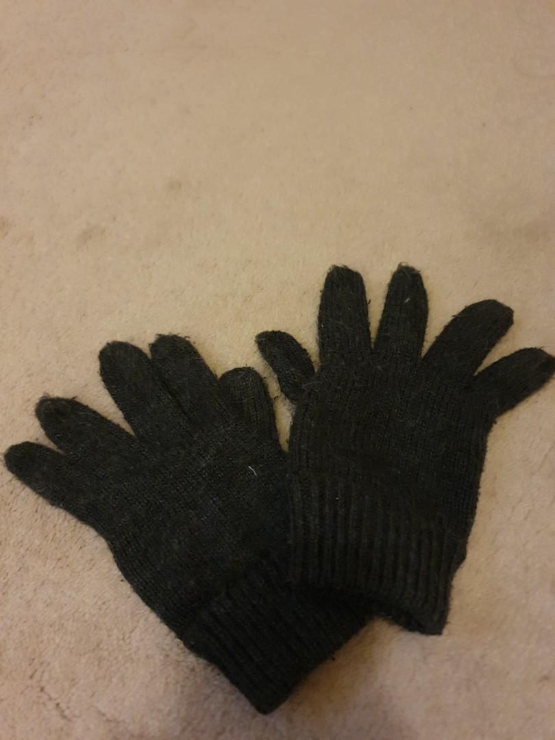 Dark grey gloves #swapnz