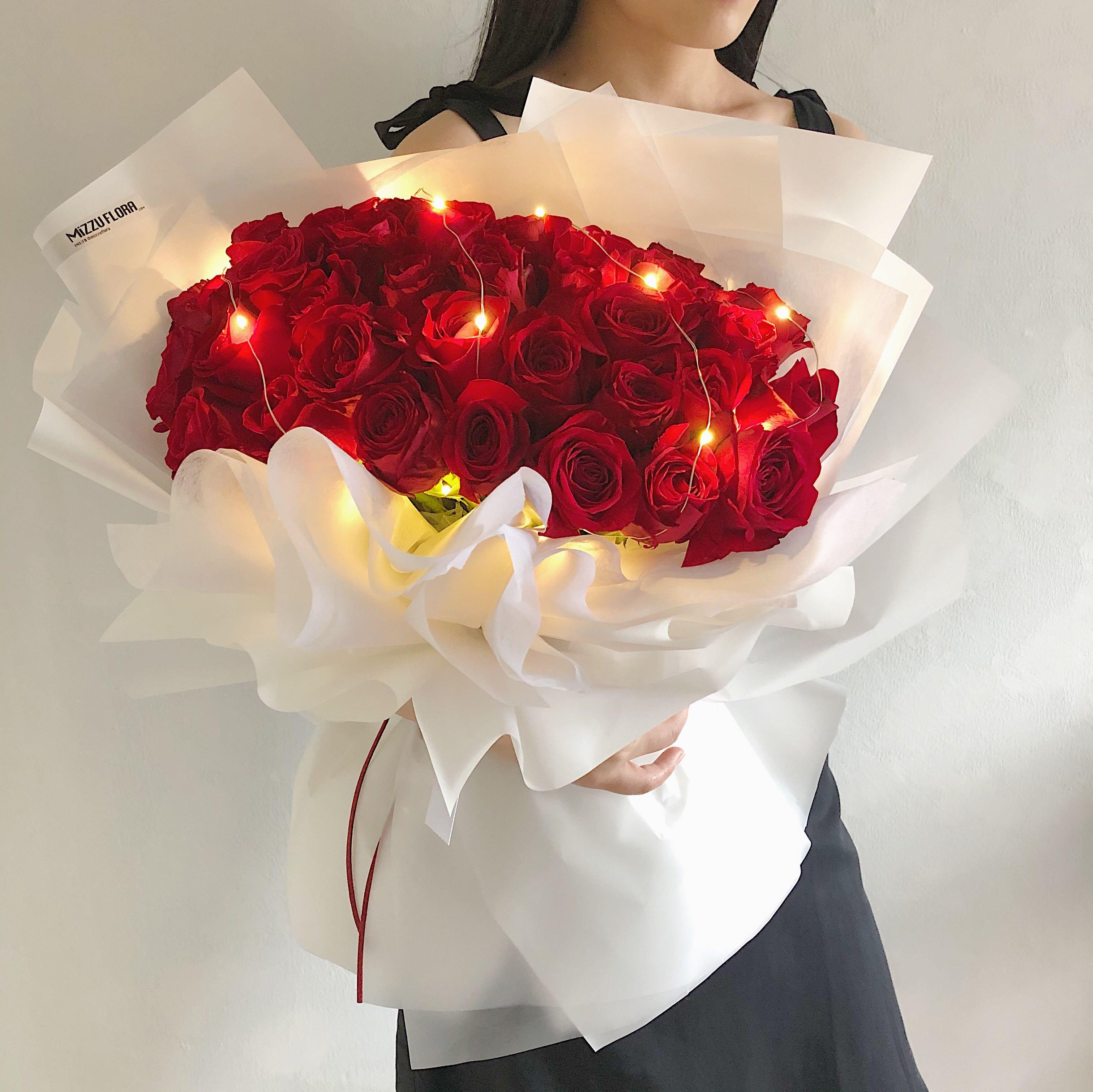 Proposal Bouquet 40 Roses Rose Bouquet 52 Roses 99 Roses Birthday Flower Bouquet Gardening Flowers Bouquets On Carousell