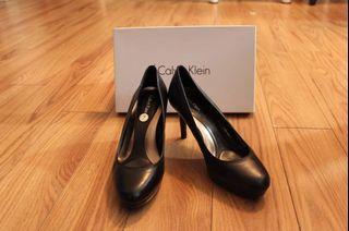 Calvin Klein - Women Size 7 Black Pump Heels