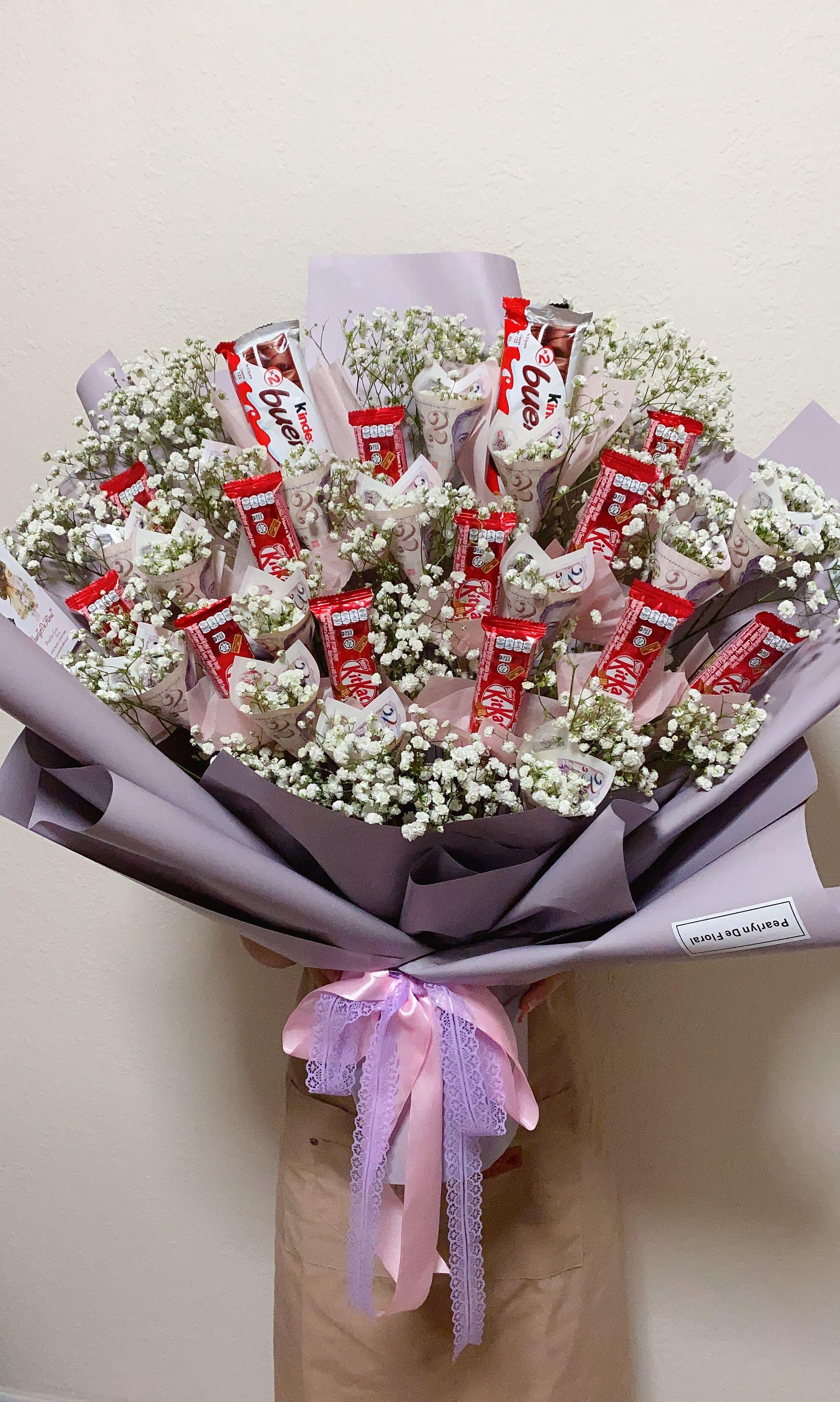 Chocolate Bouquet Chocolate With Money Bouquet Money Bouquet 巧克力和钱花束 Birthday Bouquet Birthday Gift Idea Gardening Flowers Bouquets On Carousell