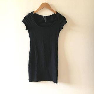 H&M dress hitam