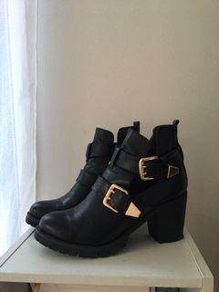 BOOHOO - boots