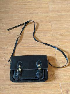 Steve Madden - small faux patent leather crossbody bag