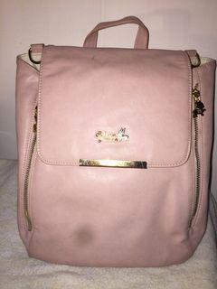 Rebeccabonbon正品 粉紅色後背包