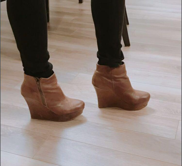 Aldo Womens Leather Ankle Boots Size 8