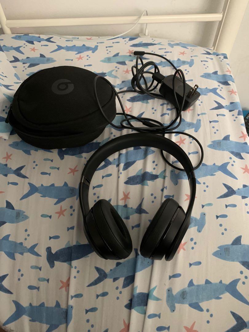 Beats Solo 3 all black edition