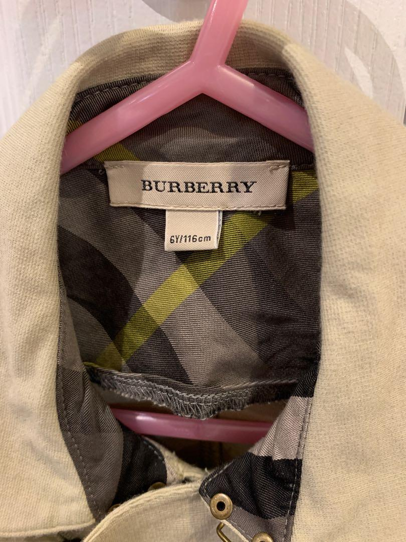 Burberry light coat size 6