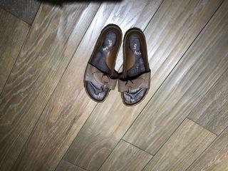 Misssofi  咖啡灰真皮拖鞋23-24號 8-9成新
