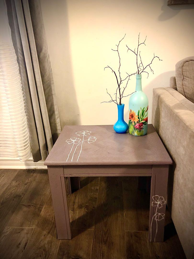 Side table or accent table