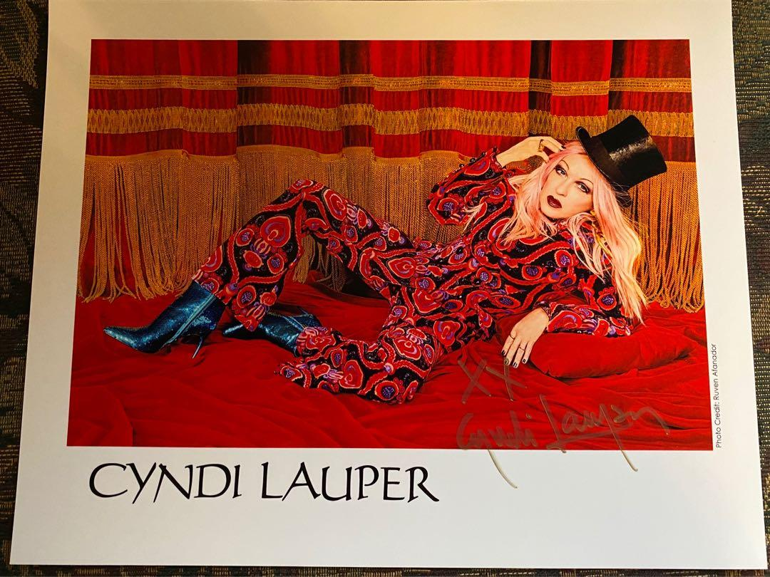 Cyndi Lauper Autographed Hand-Signed 8x10 Photo