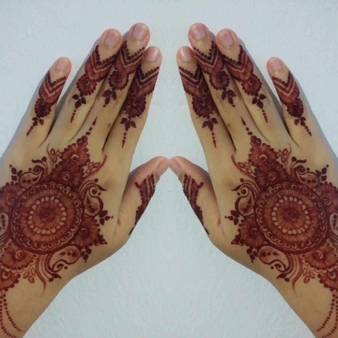 Henna wedding maroon/red