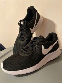 ✨NEW✨ Adidas Black Roshe 10.5 Men's