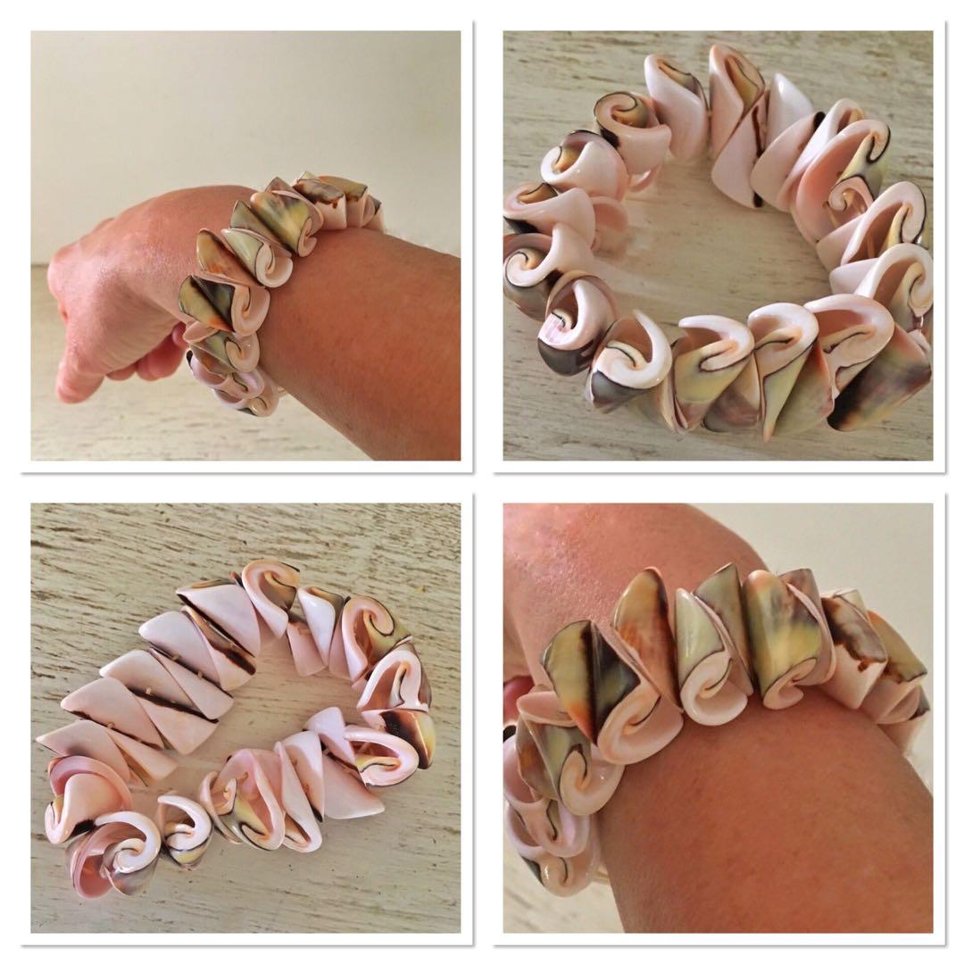 An absolutely gorgeous BRAND NEW conch shell bracelet purchased in Hawaii