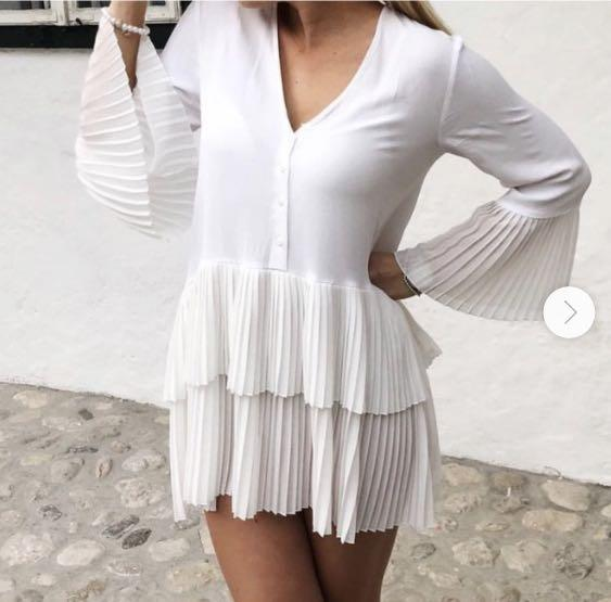 ZARA white frill dress S (can fit M)