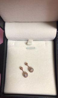 18K圓珠耳環(附盒子)