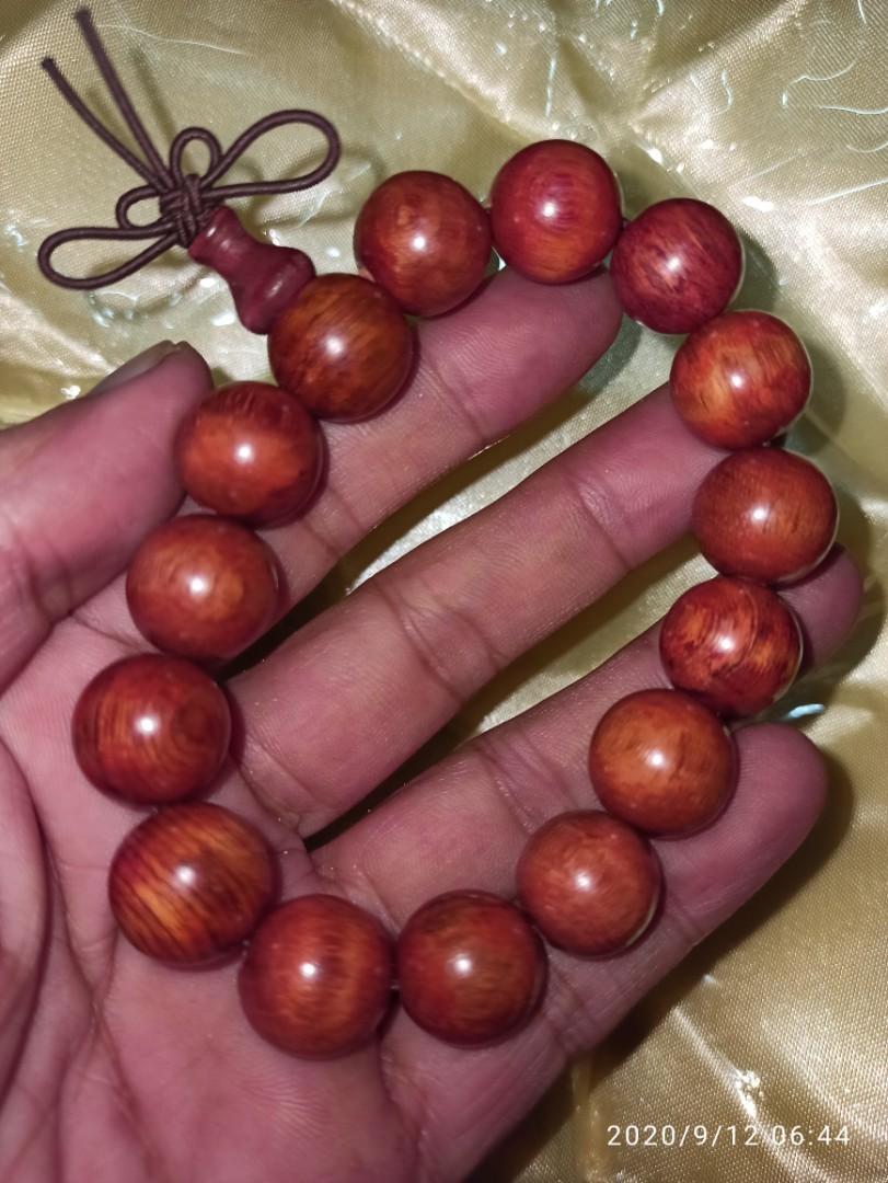 天然紅花梨木珠手串與您結緣