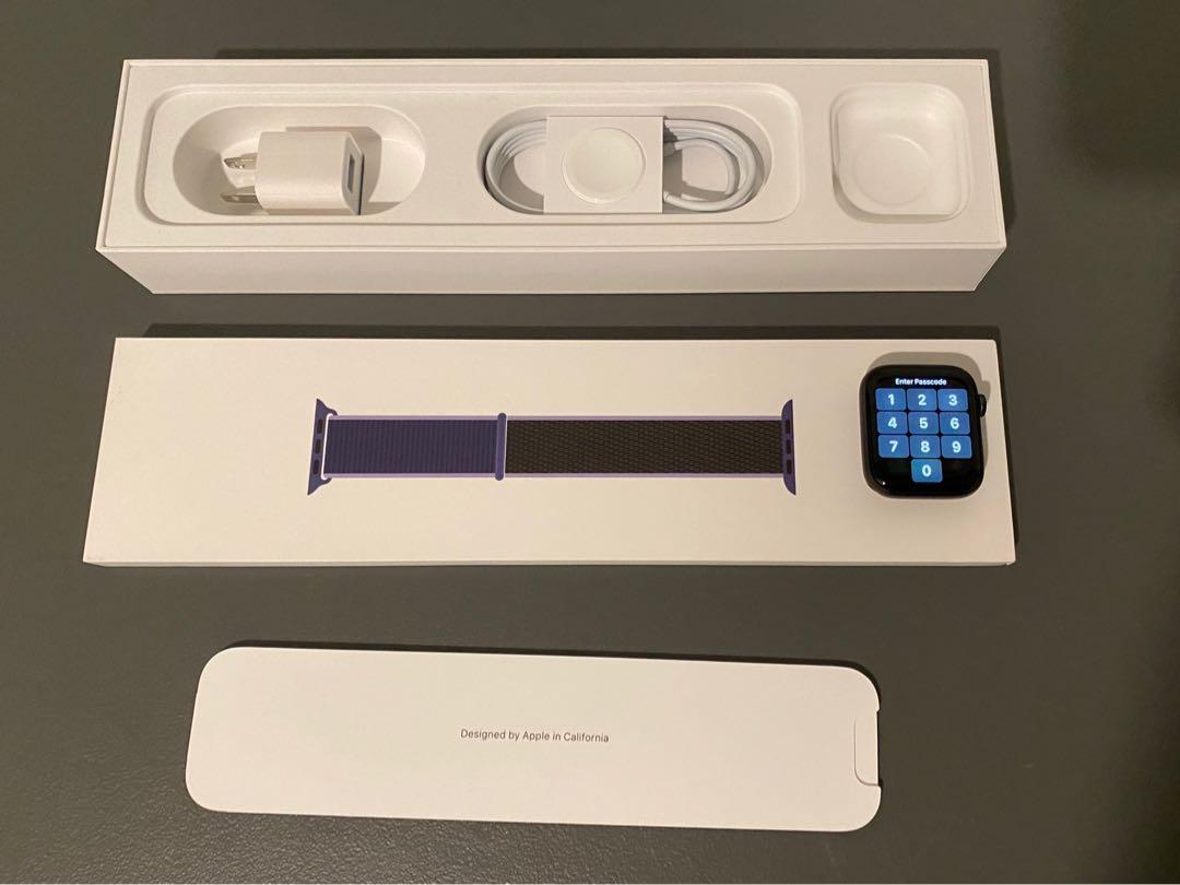 Apple Watch ⌚️ Series 5 GPS 44mm Space Grey Aluminum Case with Midnight Blue Sport Loop