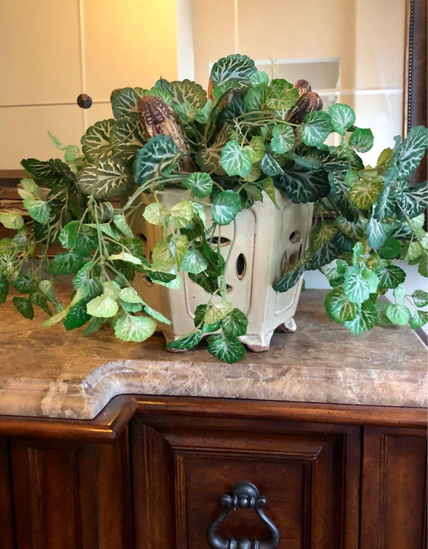 Artificial arrangement with Pot. Brand new!