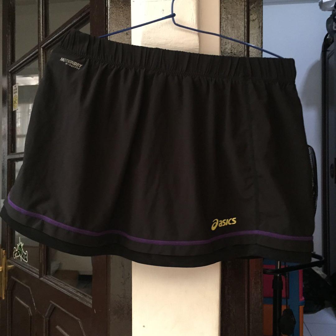 Asics 2in1 skirt and short pants