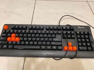B.Friend GK1 防水遊戲專用有線鍵盤黑橘