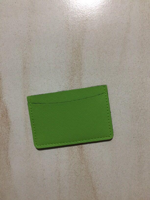 Card holder (solid and durable)