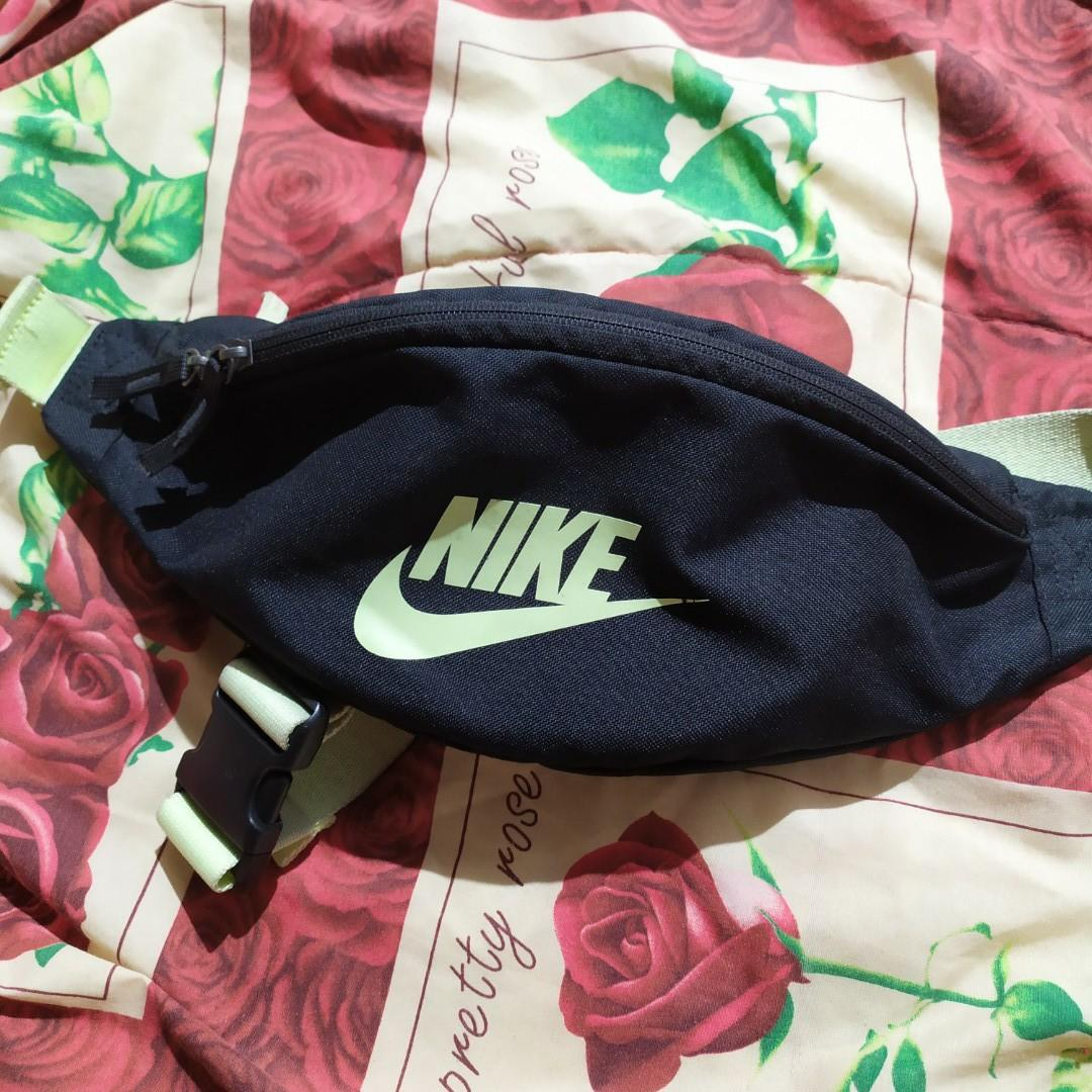 #carousell99 ORIGINAL Nike Green Waist Bag