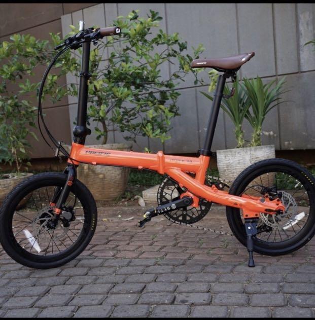 Sepeda lipat Dart 3.0 Neon Red