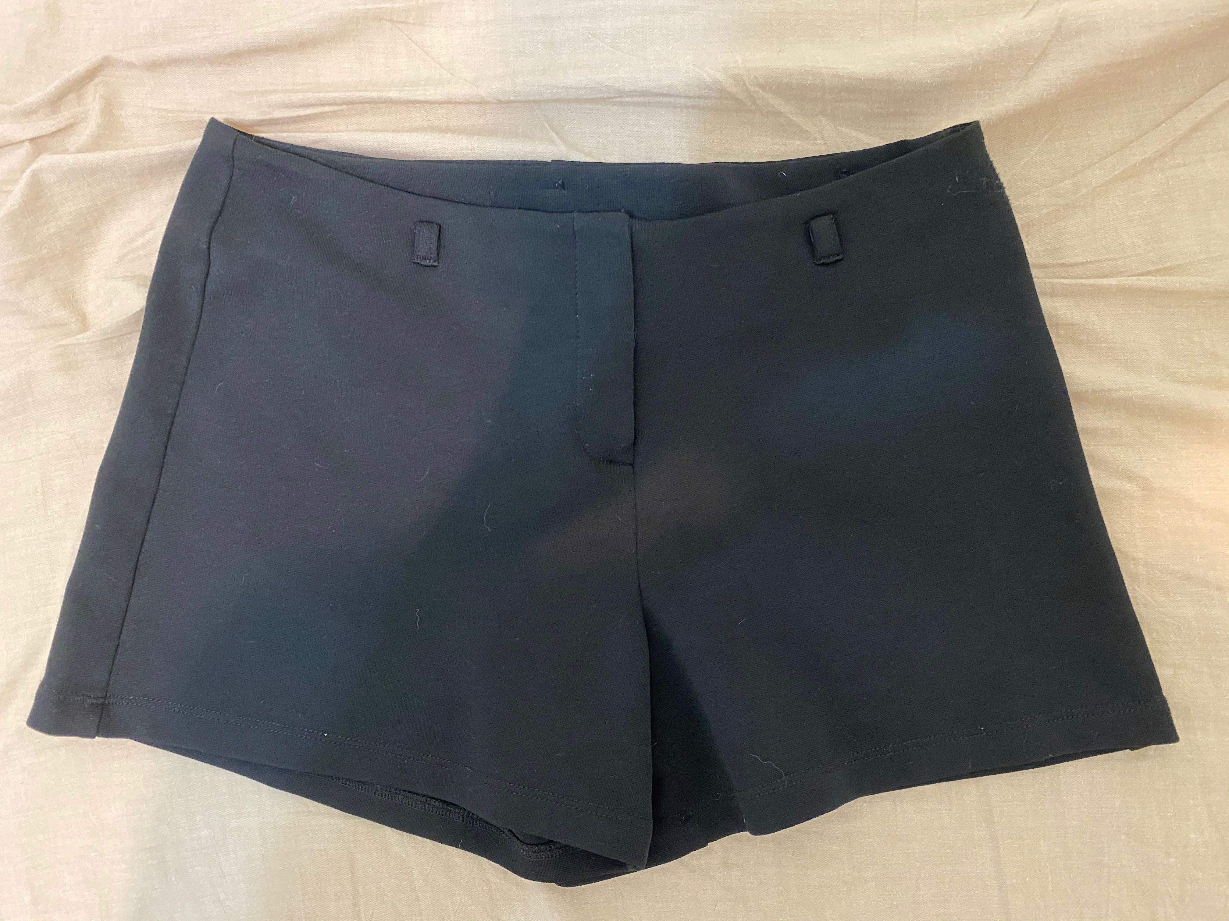 Express黑色中腰短褲