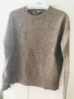 Gap crew neck cropped sweater size S