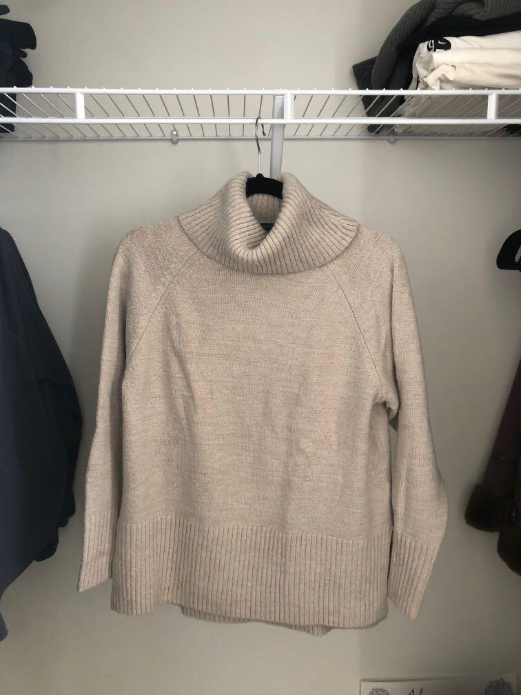 M - Dynamite Beige Sweater