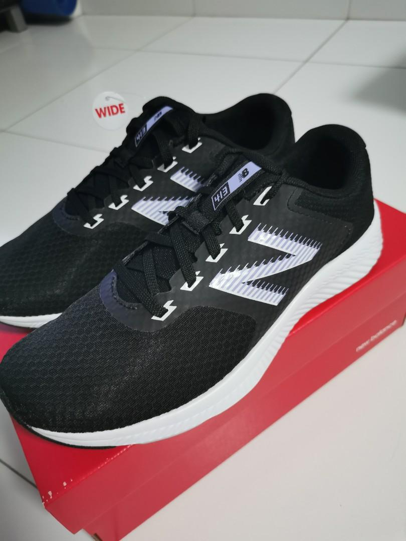 New Balance Running shoes (NEW)
