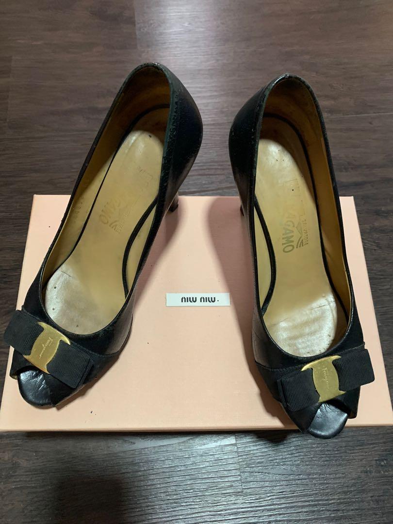 100% authentic ferragamo heels size 8 D