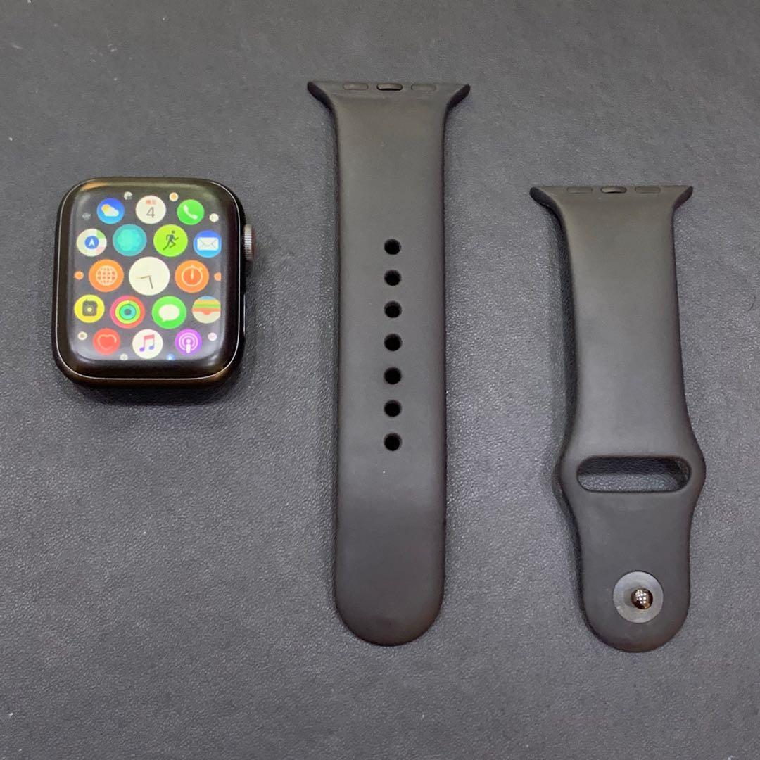 Apple Watch series 4 GPS+行動網路版 外表新 附黑色錶帶+霧面玻璃貼