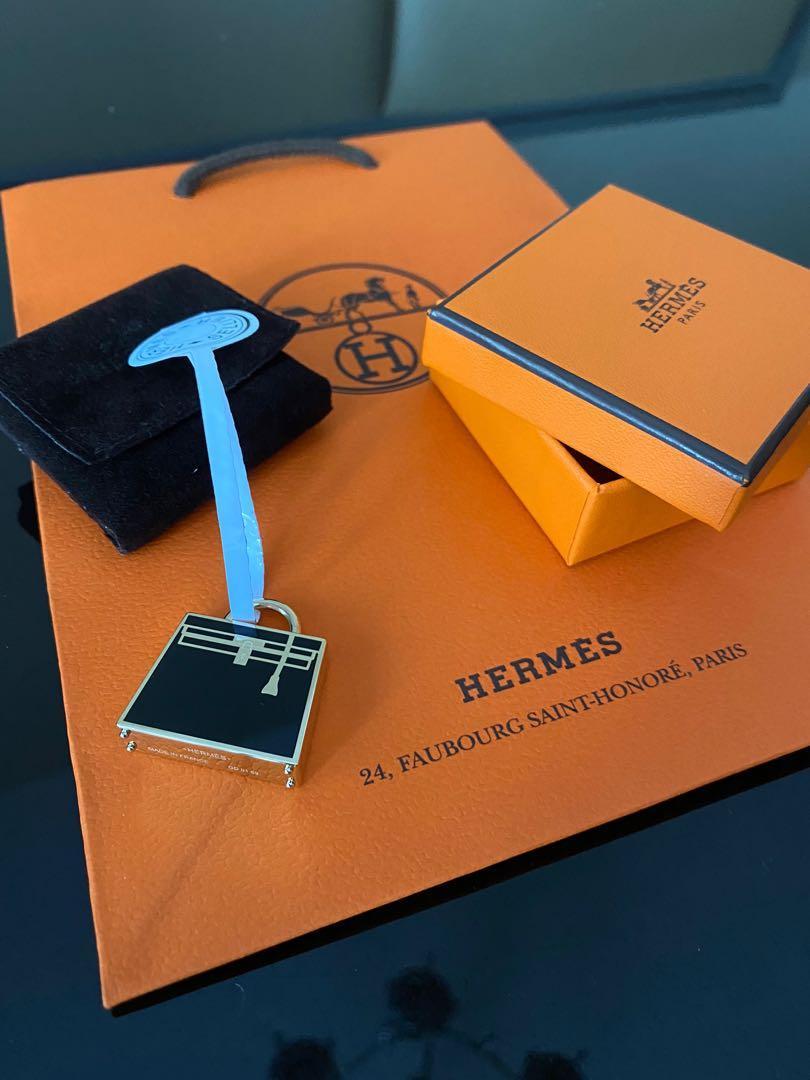 Brand New Hermès Curiosite Kelly Laque Charm