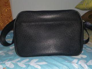 Louis Vuitton EPI Messenger bag