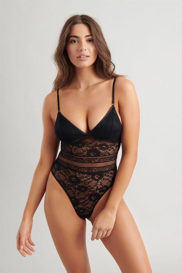 New lace padded bodysuit