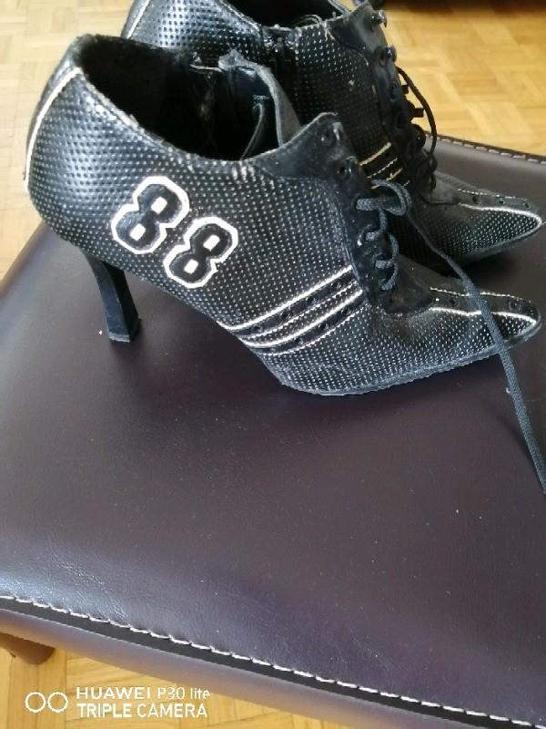 Selling my black shoes Size 8
