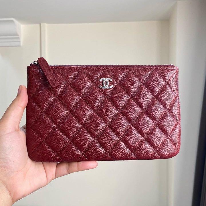❤️Super Popular!❤️ Chanel Classic Small O Case in 20B Dark Red Caviar SHW