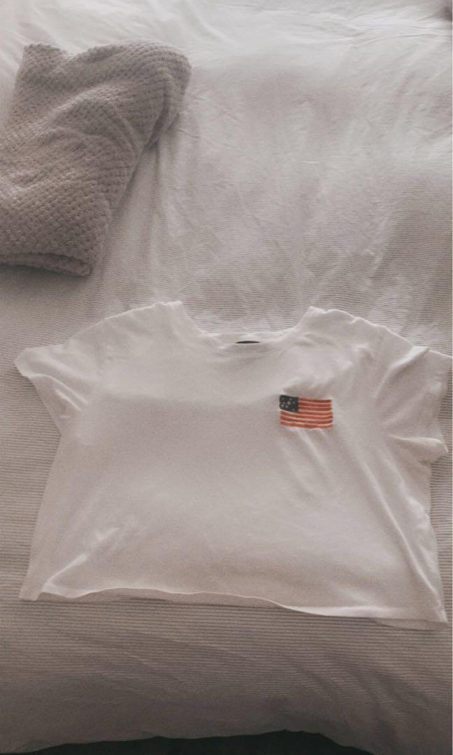 Abercrombie cropped t shirt