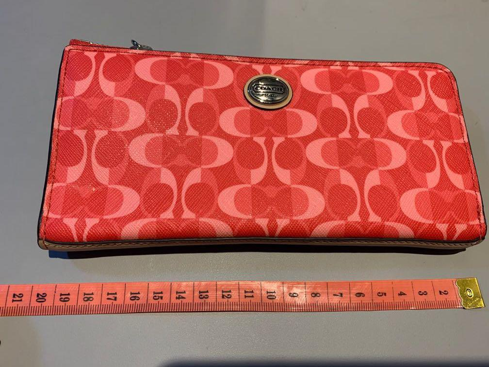 Authentic Coach wallet (new)