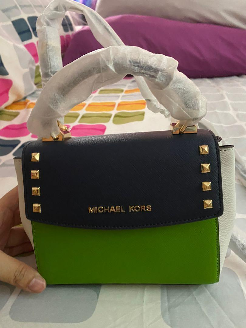 Brandnew Michael Kors Sling Bag with tag