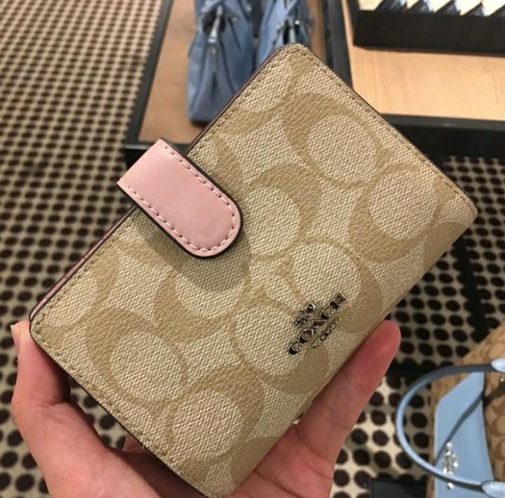 Coach medium wallet