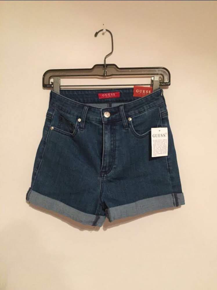 GUESS Mid- to High-Rise Denim Shorts (25-26)